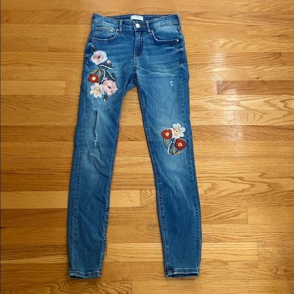 Zara Denim - ZARA Mid-Rise Embroidered Jeans